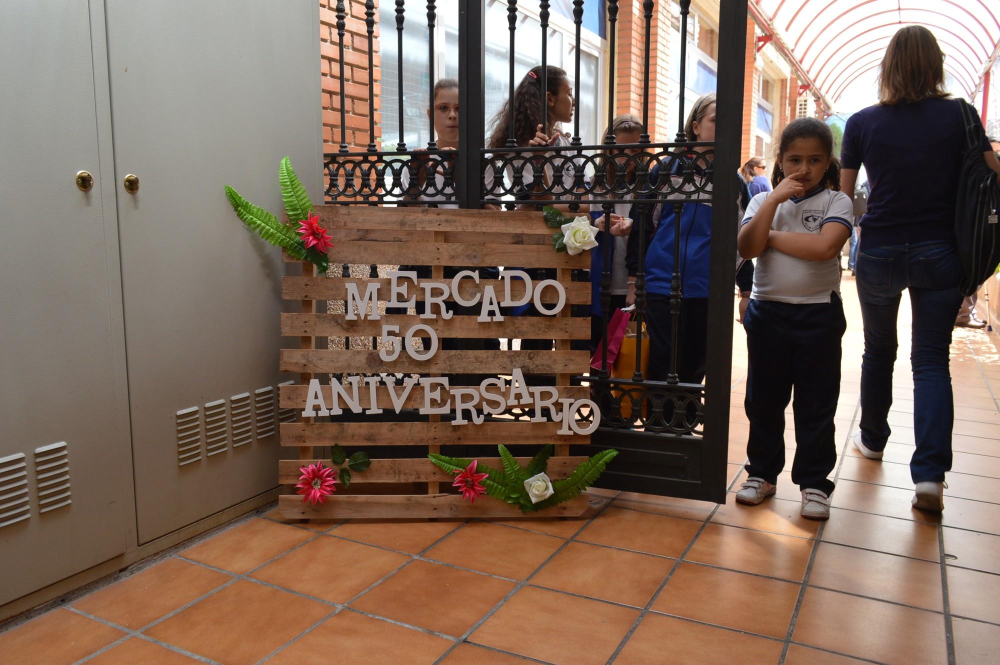Infantil Primaria Mercadillo Solidario 50Aniv 2017 1